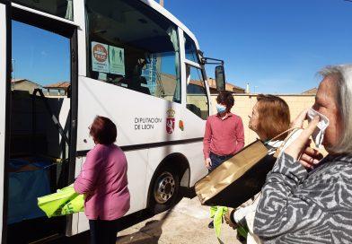 Los bibliobuses de Diputación renaudan el préstamo directo en los pueblos en fase 1